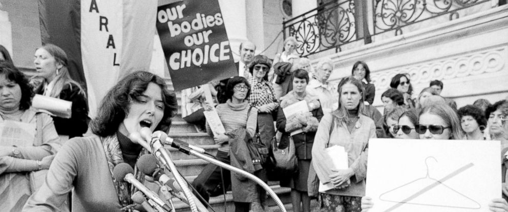 PHOTO: Representative Pat Schroeder (D-CO) addresses a rally of abortion rights activists on the steps of the Capitol, Nov. 2, 1977.