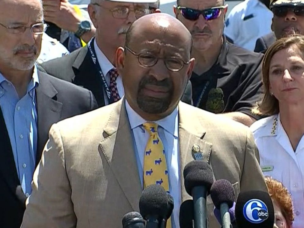 PHOTO: Philadelphia Mayor Michael Nutter speaks to the press about the deadly Amtrak train accident that occurred earlier in the week, May 14, 2015.