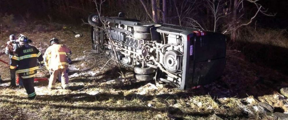 PHOTO: More than a dozen people were injured after a bus carrying a high school girls basketball team crashed in Beckley, W.Va., on Saturday, Feb. 2, 2019.