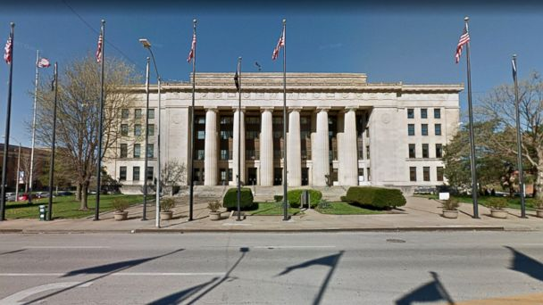 https://s.abcnews.com/images/US/wyandotte-county-courthouse-ht-jef-180615_hpMain_16x9_608.jpg