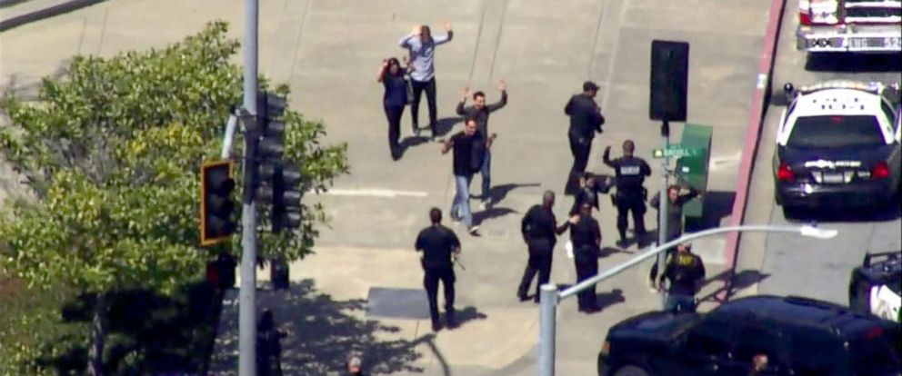 PHOTO: California police respond to reports of an active shooter at the YouTube headquarters in San Bruno, Calif., April 3, 2018.