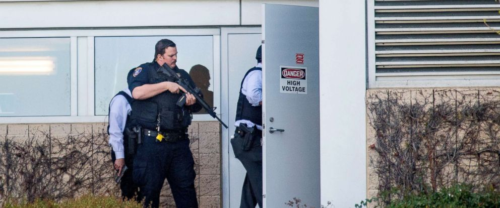 PHOTO: Police search a building at YouTubes corporate headquarters as an active shooter situation was underway in San Bruno, Calif., April 3, 2018.