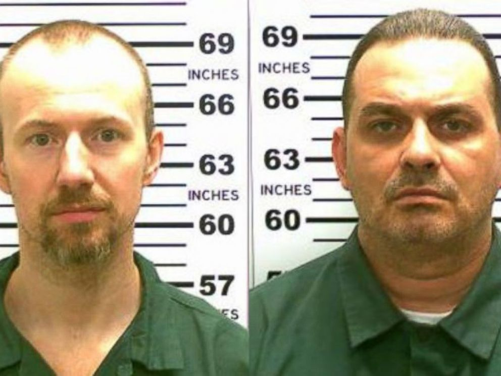 PHOTO: In this handout from New York State Police, convicted murderers David Sweat, left, and Richard Matt, right, are shown in this composite image.