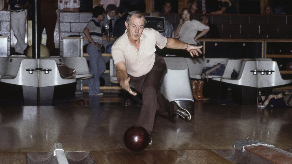 Texas Man Bowls Perfect 900 While 86 Year Old Still Fights For