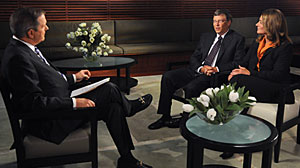 Photo: Charles Gibson interviews Bill and Melinda Gates on World News