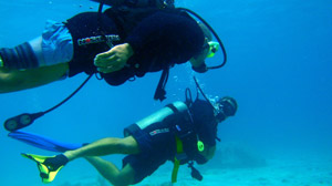 Soldiers Dive Into Therapeutic Waters
