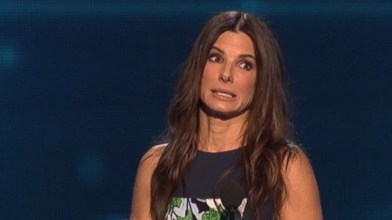 Sandra Bullock Surprises Warren Easton High School Graduates Video - ABC  News