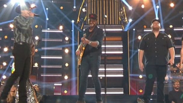 Country music celebrates its biggest night