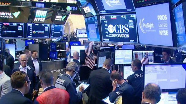 Global stocks tumble