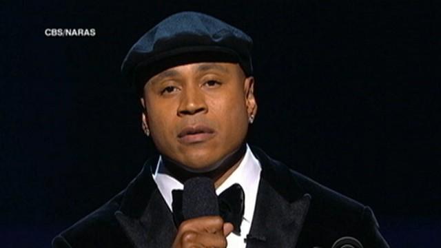 VIDEO: Grammy Awards takes time to honor Whitney Houston.