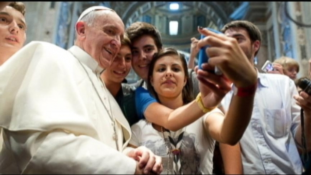 Thousands Gather for Pope's First Christmas Mass