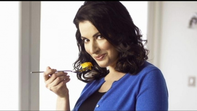 VIDEO: Celebrity chef tries to put trial behind her as she promotes the new season of her show.