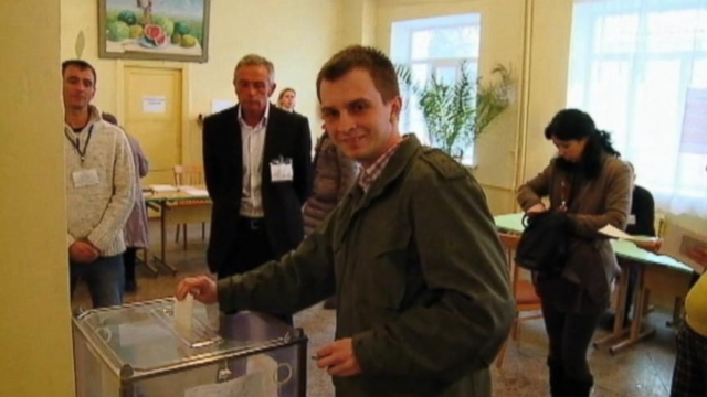 Crimea Voters Overwhelmingly Favor Joining Russia
