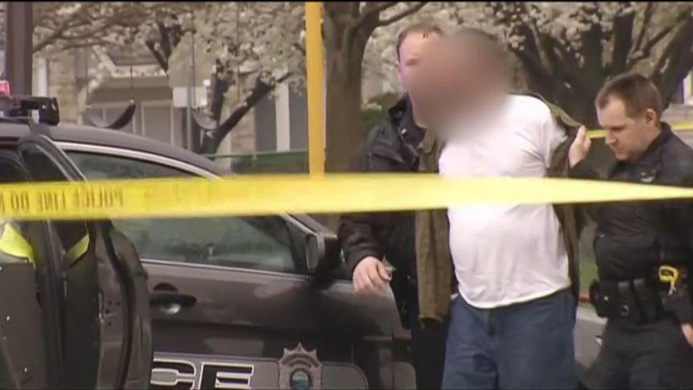 Kansas Jewish Center Shooting Suspect Identified as Former KKK ...