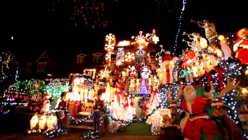 Entire Neighborhoods Battle for Best Christmas Light Display Video ...