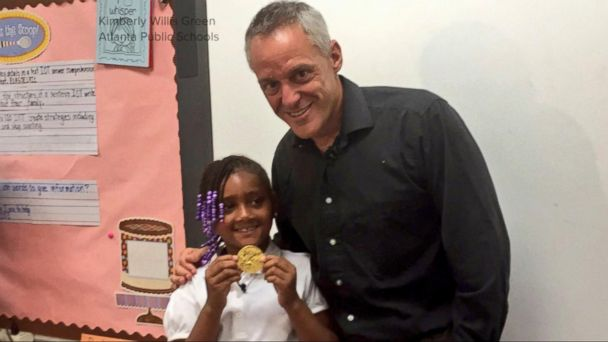 7-Year-Old Finds, Returns Olympic Gold Medal