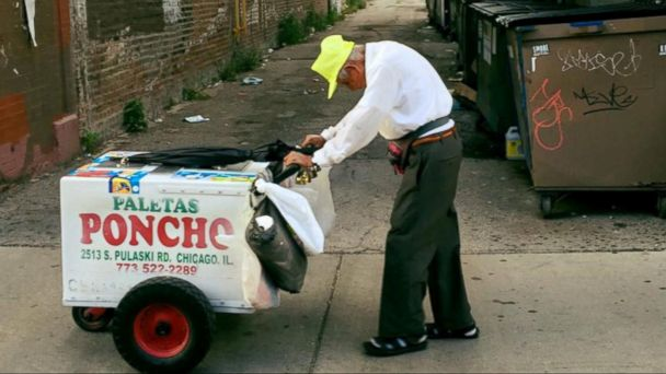 Customer Helps 89-Year-Old Man Who Pushes Ice Cream Cart to Support His Family