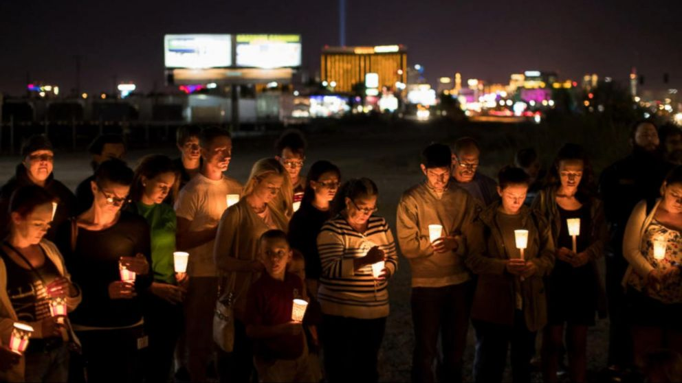Thousands attend memorial service for slain off-duty Las