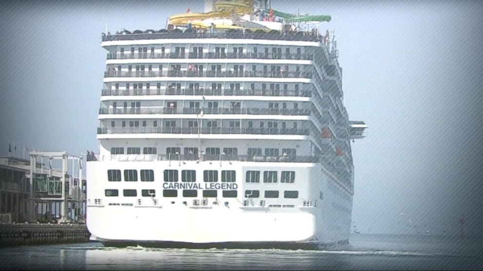 Passengers break out into a brawl on a Carnival Cruise ship Video ...