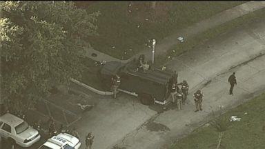 Suspect in police shooting barricaded in home with 4 children: Police Video 180611 wn benitez 648 hpMain 16x9 384
