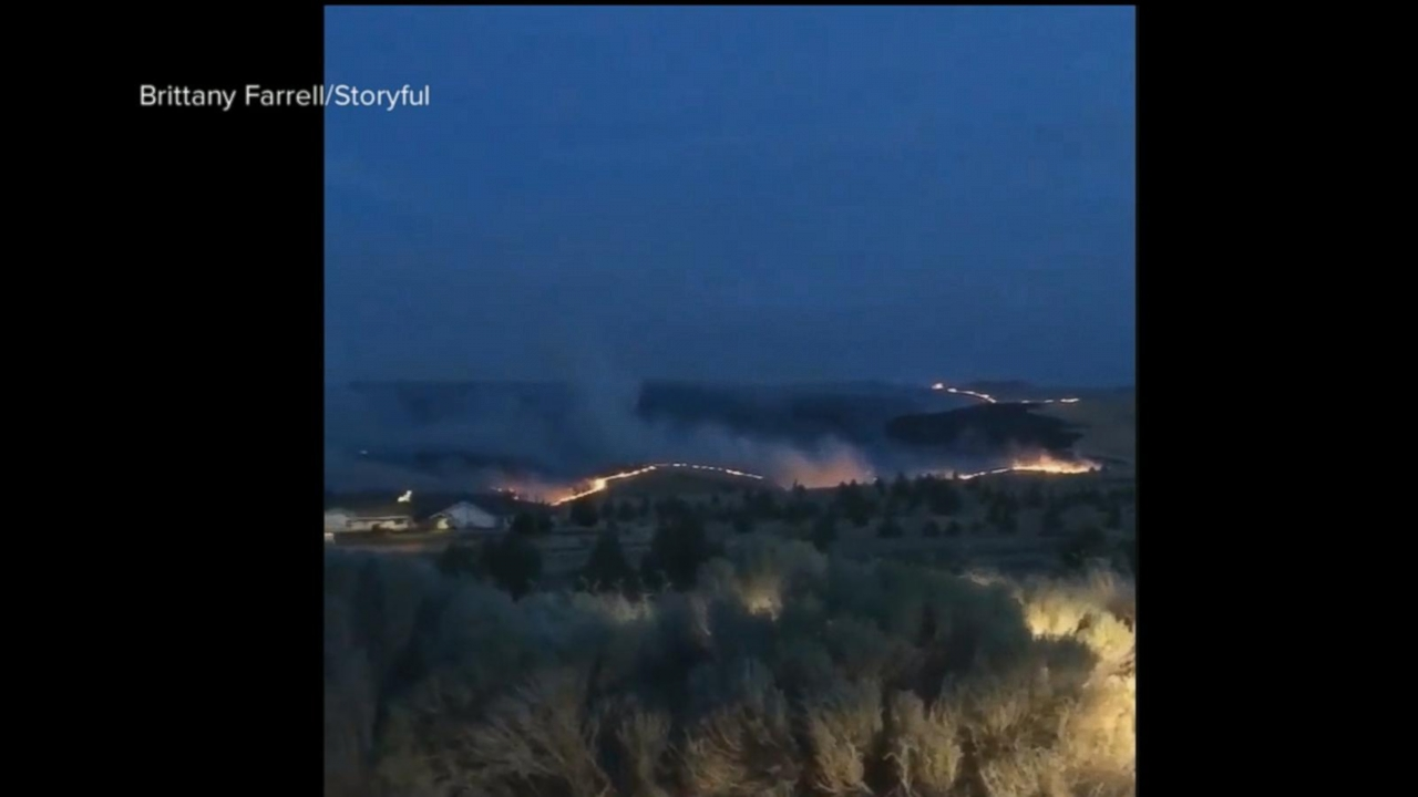 VIDEO: Raging Boxcar wildfire in Oregon prompts evacuation orders