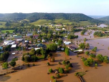 WATCH: Parts of US facing tornadoes, flash flooding and heat wave