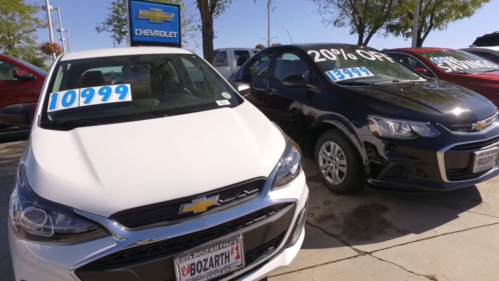 Report shows Americans are buying used cars at a record pace
