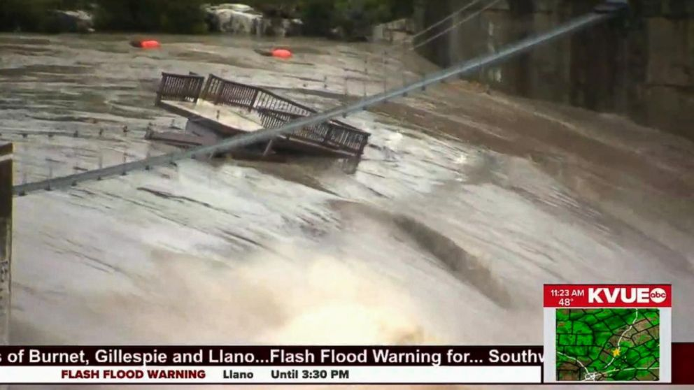 At least 1 dead in Texas flooding that caused bridge