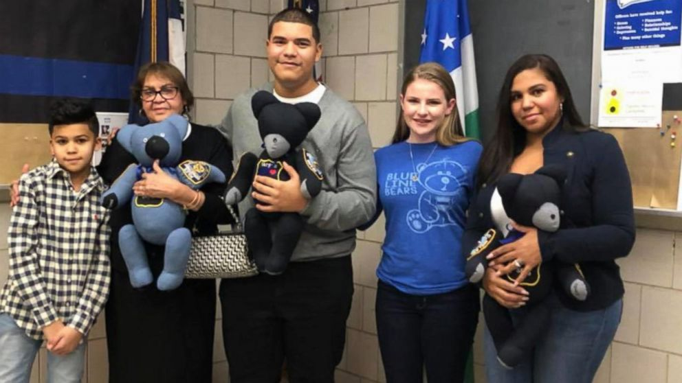 Teen makes personalized teddy bears for families of fallen police officers