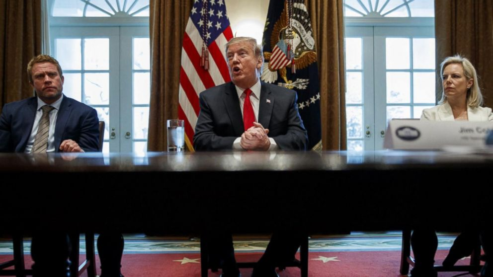 Trump declaring national emergency to build wall could complicate matters for Republicans