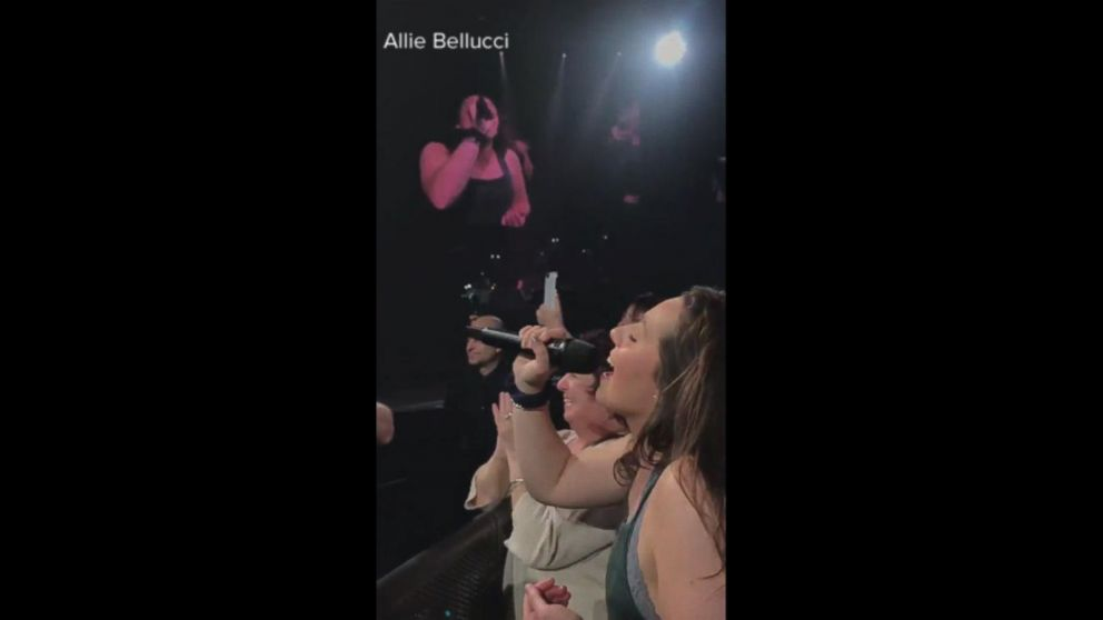 College student blows Michael Buble away with her rendition of 'At Last'
