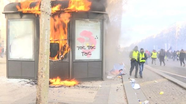 Yellow vest protests enter their 18th consecutive weekend in Paris, France