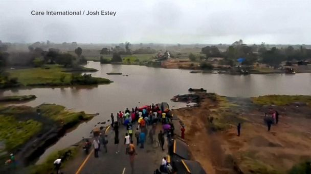 Rain hampers rescue efforts in Mozambique after deadly cyclone