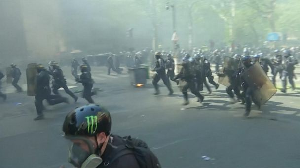 Paris erupts in violent protests
