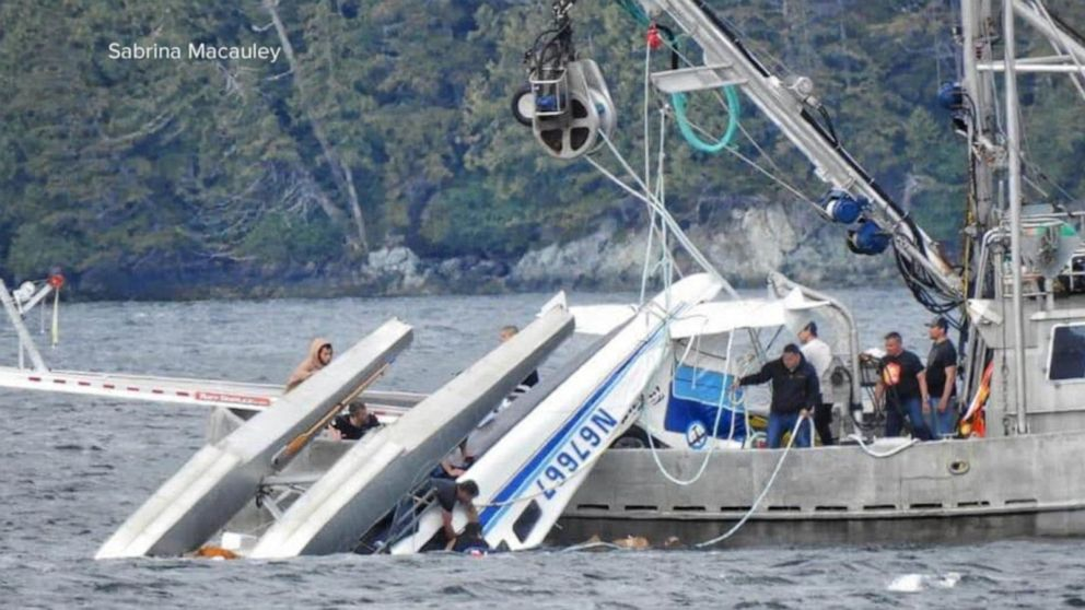 Investigators trying to figure out why Alaska float plane crashed, killing 2