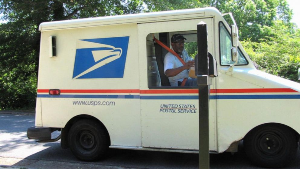 Tweets help beloved mailman reach retirement goal: a trip to Hawaii
