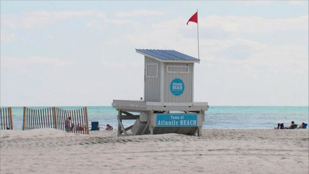 2 teens missing from Texas beaches as officials warn of rip currents
