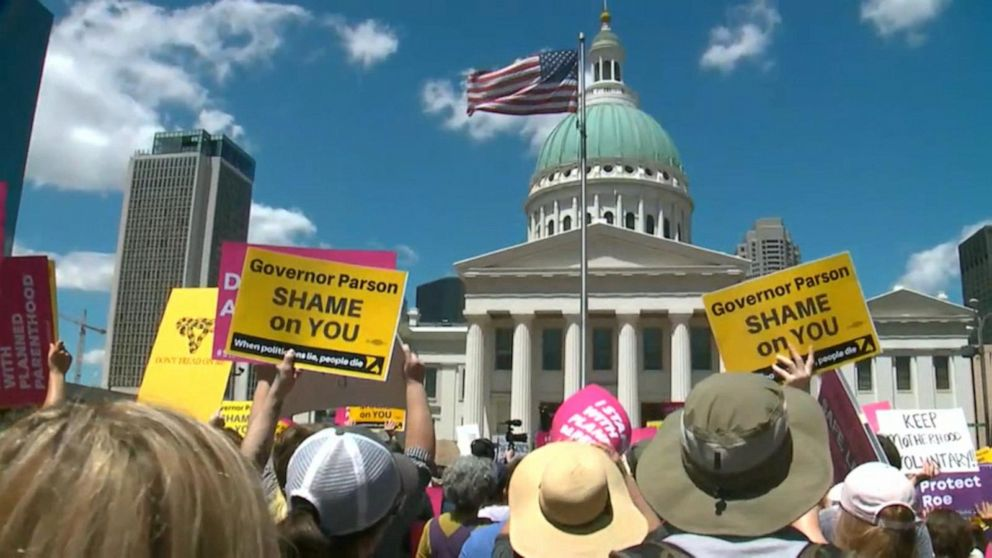 Missouri's only abortion clinic allowed to continue providing under judge's new order