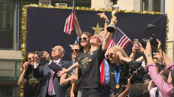 Thousands turn out in New York to celebrate US women's soccer team