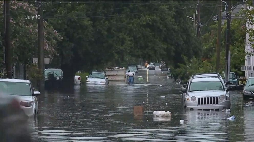 Floodwaters rising on the outskirts of New Orleans Video