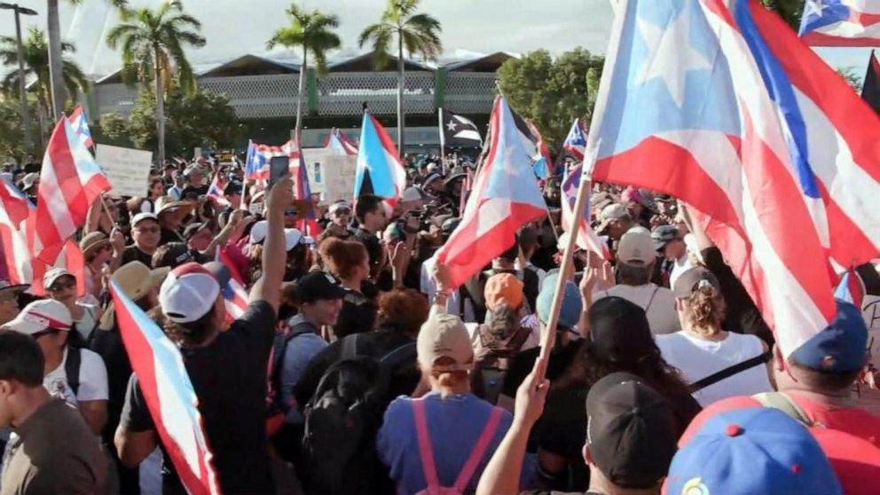 Protests against Puerto Rico's governor shut down traffic