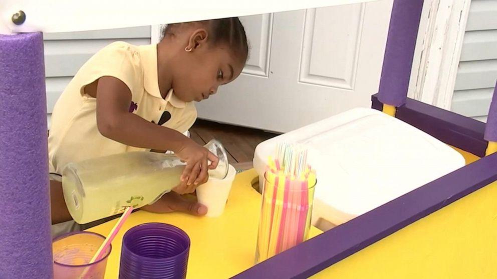 3-year-old girl in North Carolina sells lemonade to help babies in need