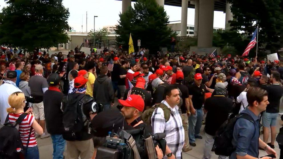 Far-right activists and counter-protestors clash in Oregon