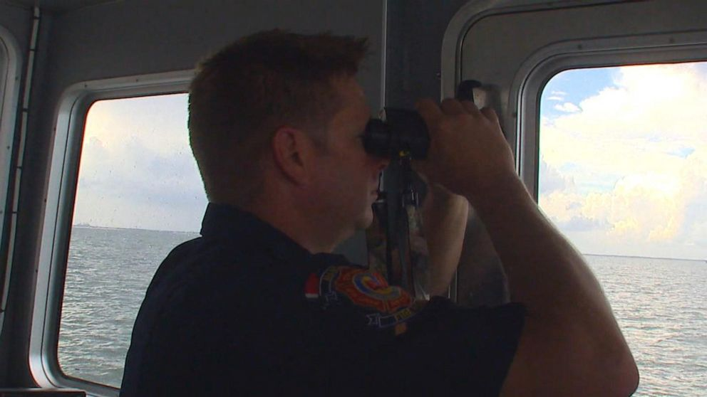 200-plus volunteers searching Atlantic Ocean for missing boaters