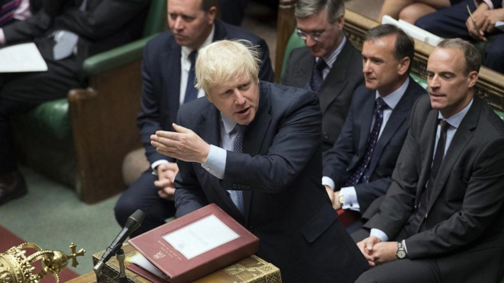 """MP demands Johnson apologize for """"racist"""" comments about Muslim women"""