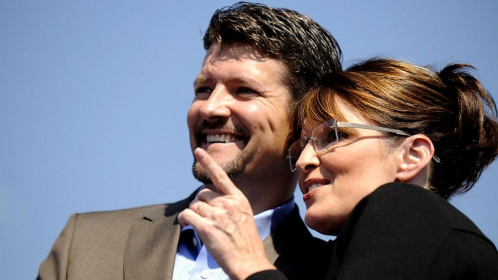 Sarah Palin's husband, Todd Palin, files for divorce from former vice presidential candidate