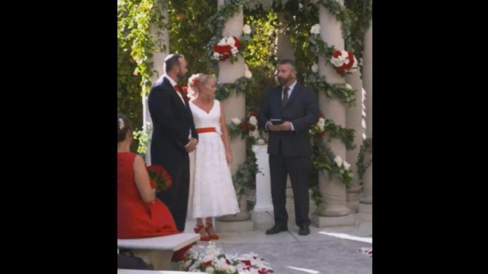 Rod Stewart serenades UK couple at Las Vegas wedding after Thomas Cook travel flap