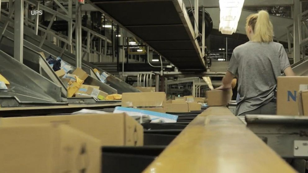 US Postal Service anticipating 28 million packages daily before Christmas
