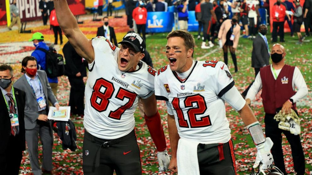 Tom Brady, Rob Gronkowski make big plays to win Super Bowl LV
