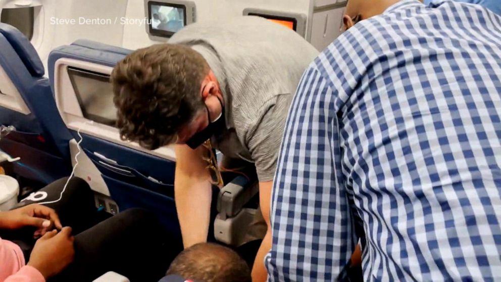 Passengers overpower man allegedly attempting overtake plane